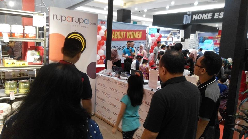 Main games di booth ruparupa.com
