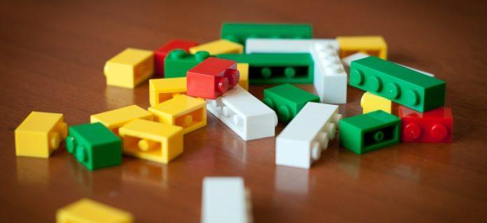 manfaat bermain lego