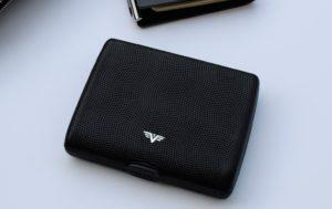 dompet kartu kredit anti RFID