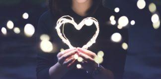 Rayakan Valentine