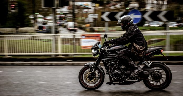 5 Alasan Touring Dengan Sepeda Motor