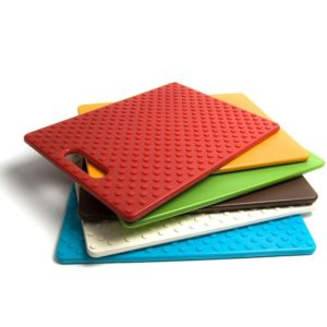 COLOR-CODING CUTTING BOARD