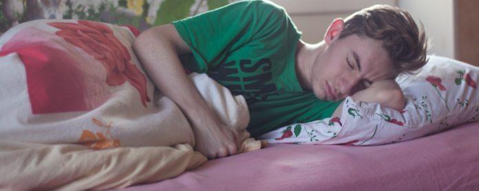 Apakah Anda Berbicara dalam Tidur? Ini Penjelasan Ilmiahnya