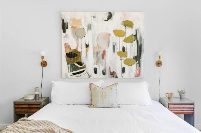 kamar tidur minimalis putih