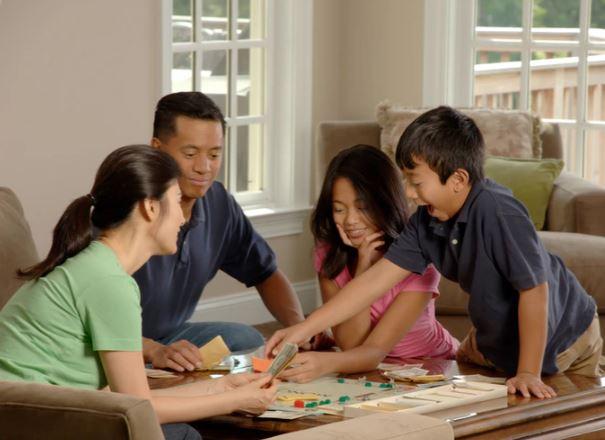 10 Ide Permainan untuk Bermain Bersama Anak di Rumah | Blog Ruparupa