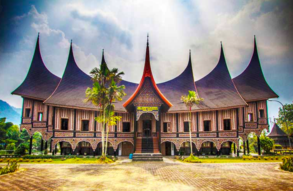 Mengenal Rumah Gadang Khas Minangkabau | Blog Ruparupa