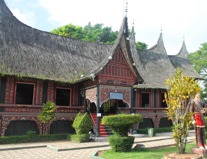 Mengenal Rumah Gadang Khas Minangkabau Blog Ruparupa