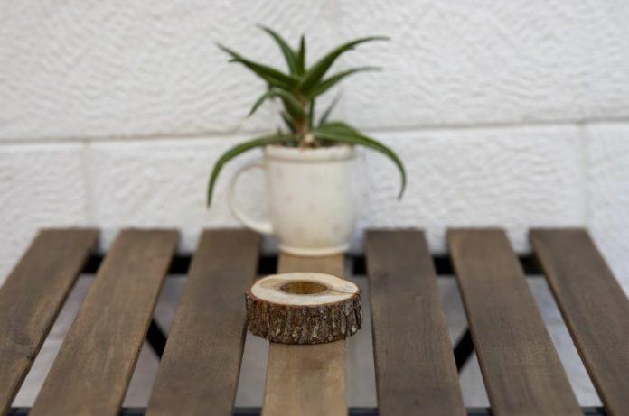 rak pot bunga kayu