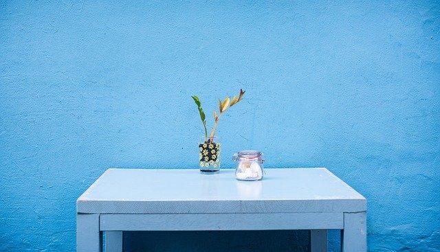 Warna cat ruangan tamu biru