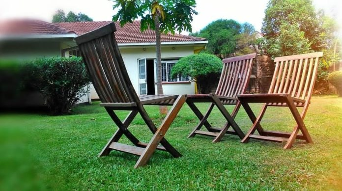 kursi outdoor yang ideal