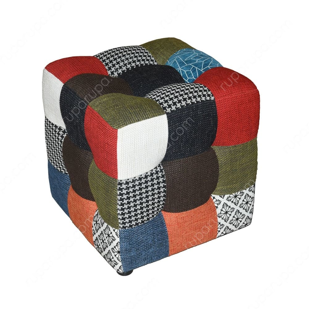 Bangku patchwork sebagai dekorasi rumah