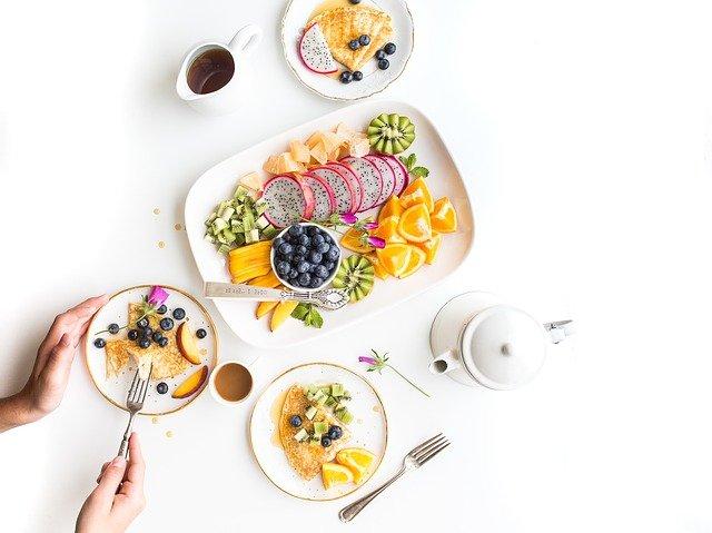cara menggemukan badan saat puasa dengan membagi porsi makan 5-6 x