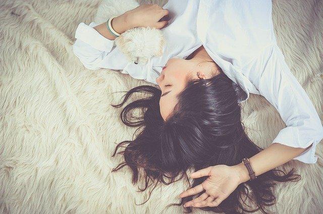 cara menurunkan berat badan saat puasa dengan tidur cukup