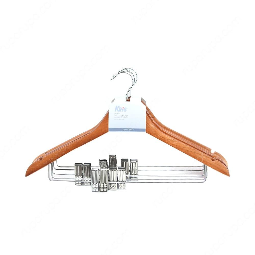 Hanger Baju berguna untuk merapikan lemari pakaian