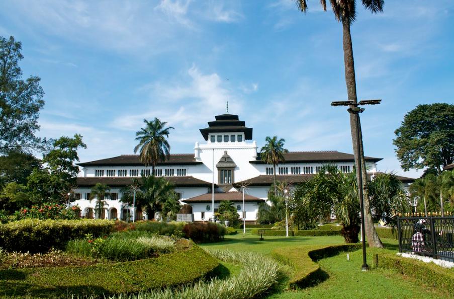 gedung sate, gedung bersejarah di Indonesia