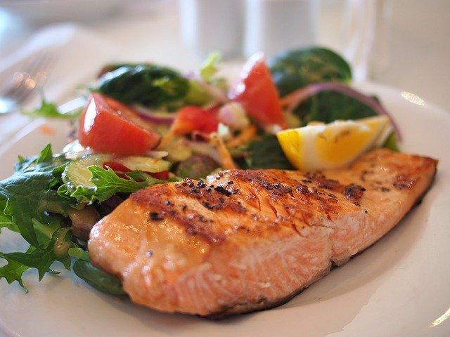 Protein baik untuk menurunkan berat badan