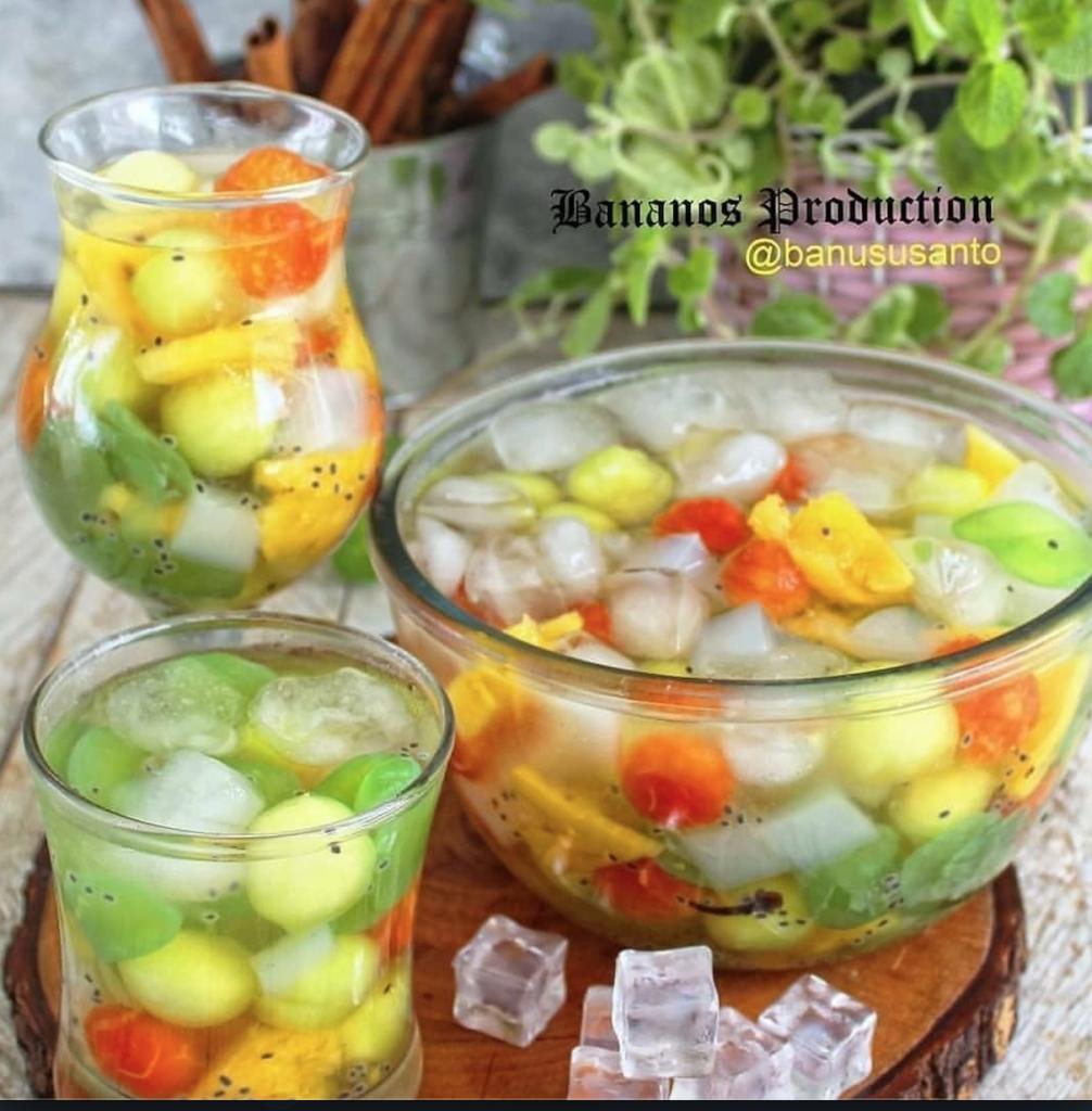 Es sop buah Koktail Jawa