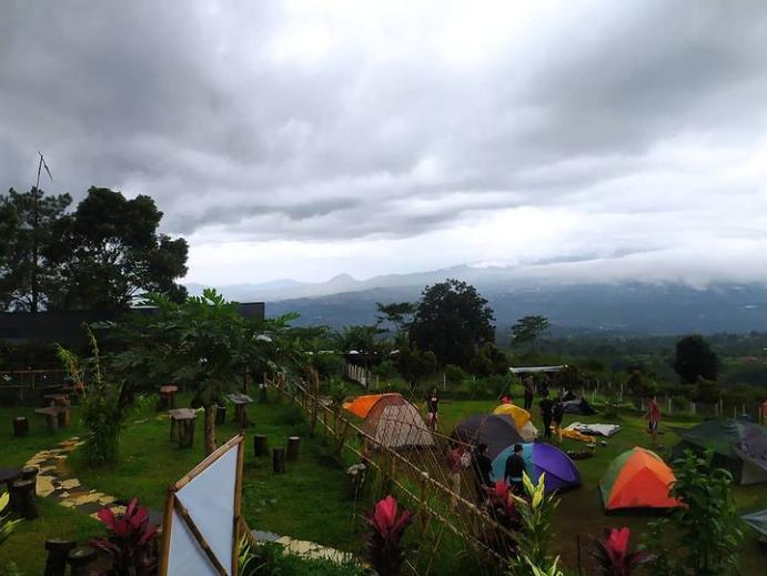 tempat camping di lembah salak