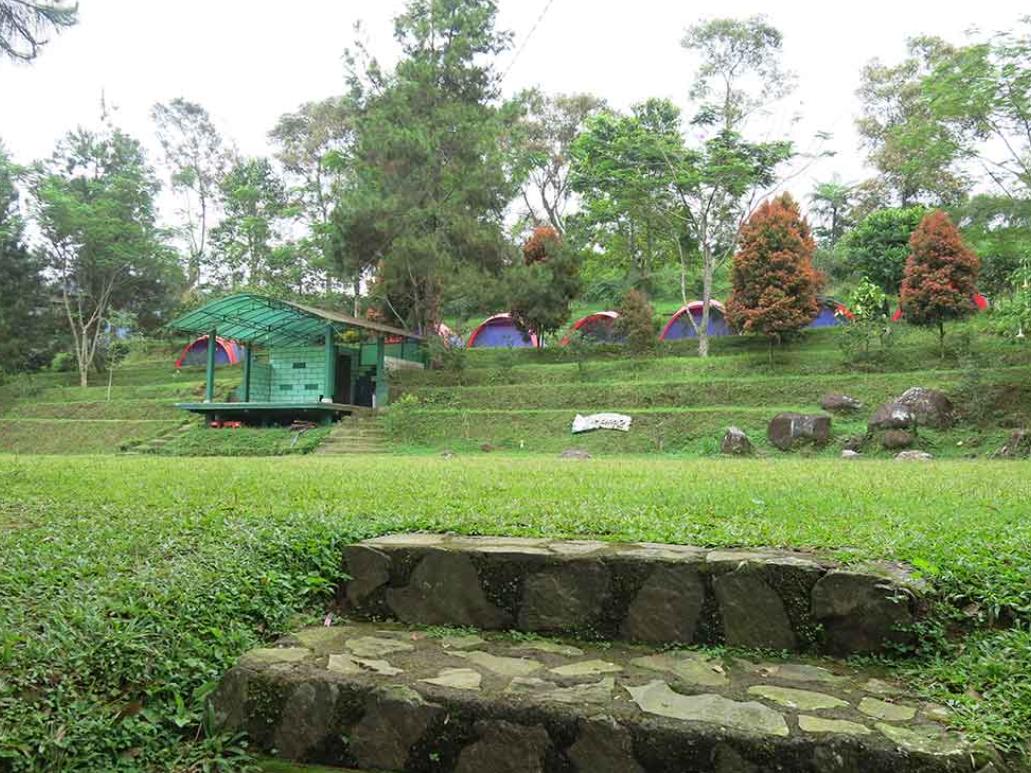 tempat camping di eagle hill
