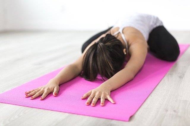 gerakan peregangan untuk mengatasi sakit pinggang