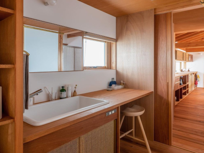 interior ruangan kayu minimalis