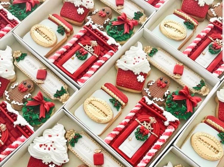 unique christmas cookie hamper