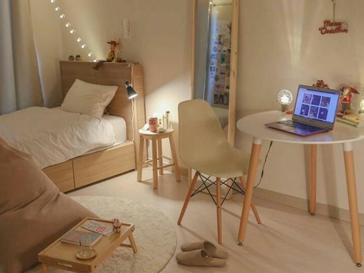 furniture simple untuk kamar korea yang aesthetic