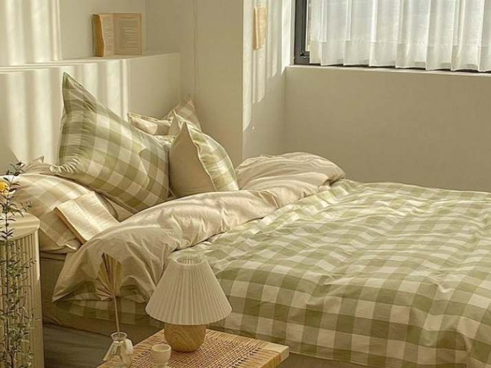 gingham bed