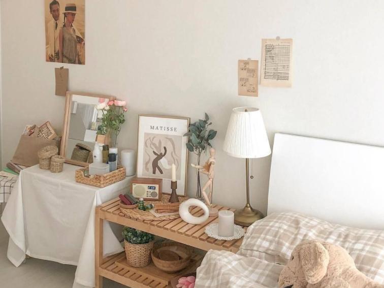 pernak pernik untuk menghias kamar korea