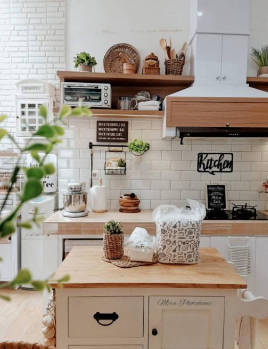 aksen kayu di dapur scandinavian