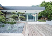 rumah minimalis dengan jendela geser