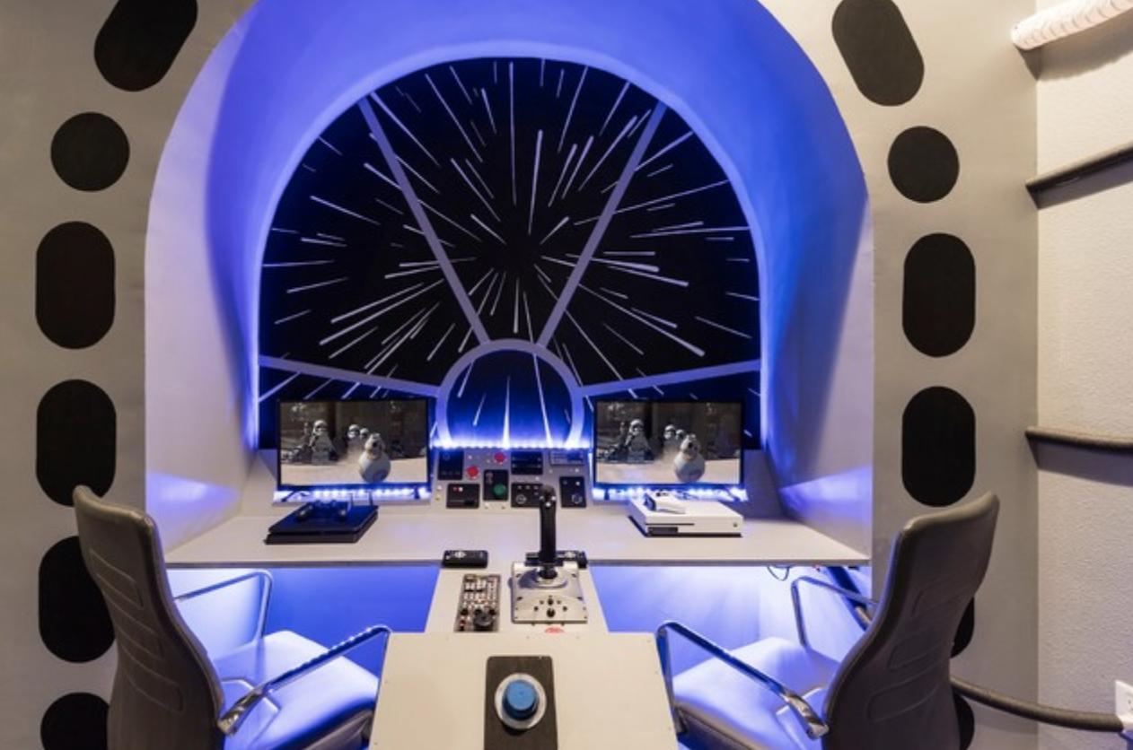 Desain kamar gaming starwars