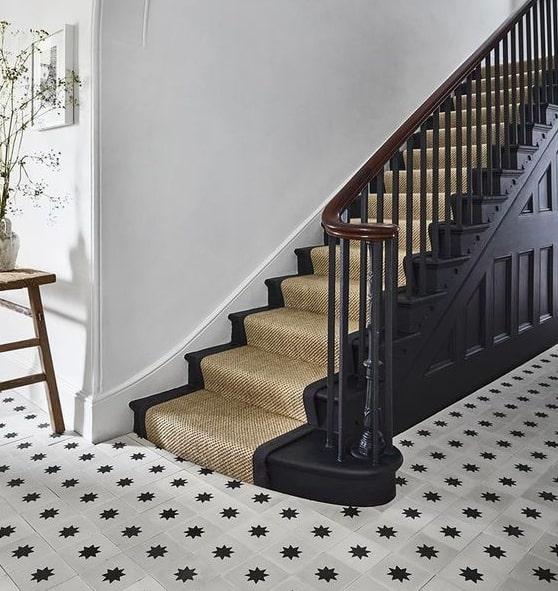 tangga kayu karpet