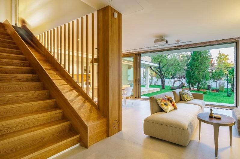 tangga kayu perosotan