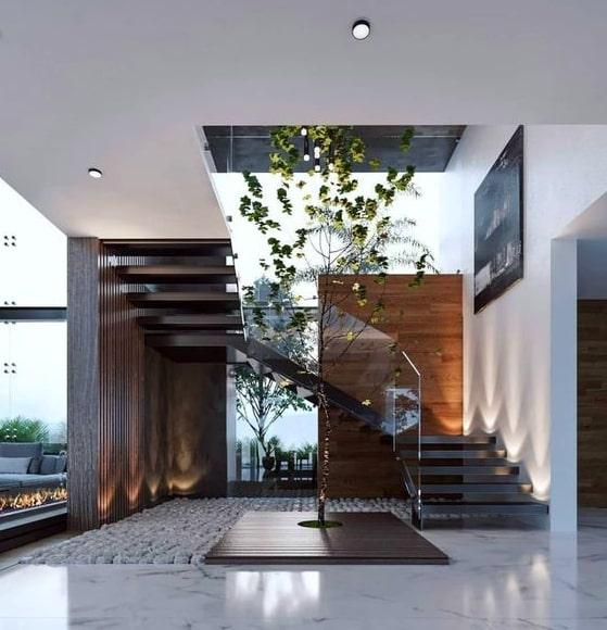 tangga kayu pohon