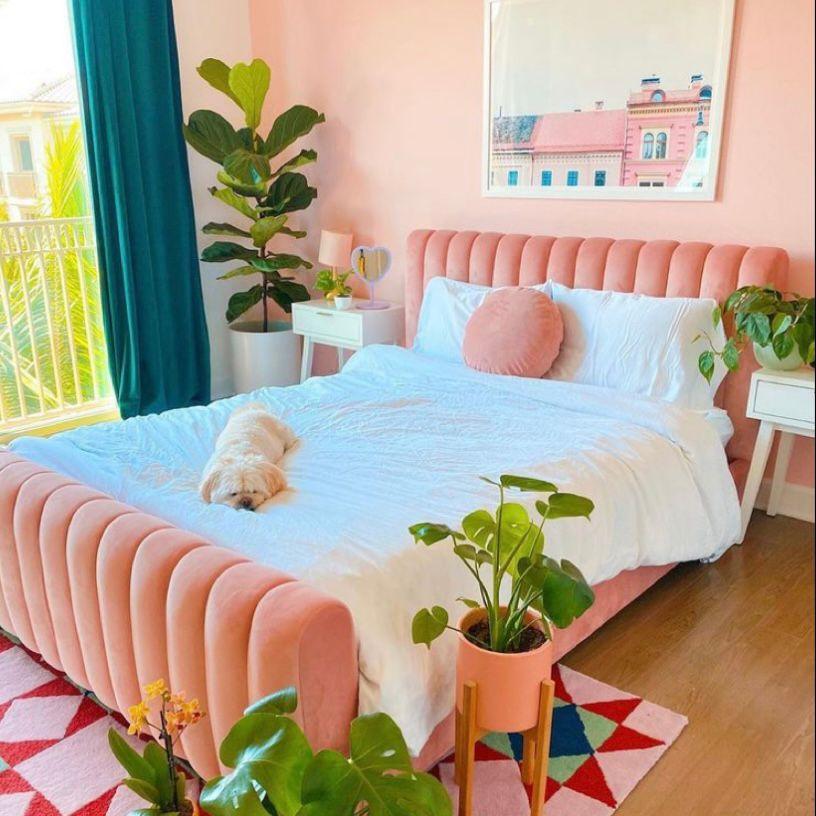 Kamar pink ala caribbean