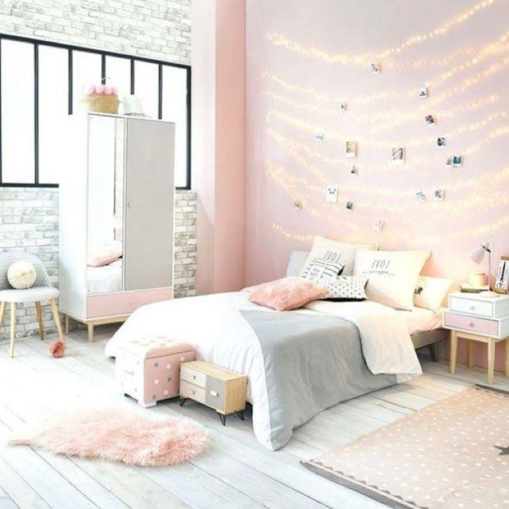 Desain kamar estetik warna pink