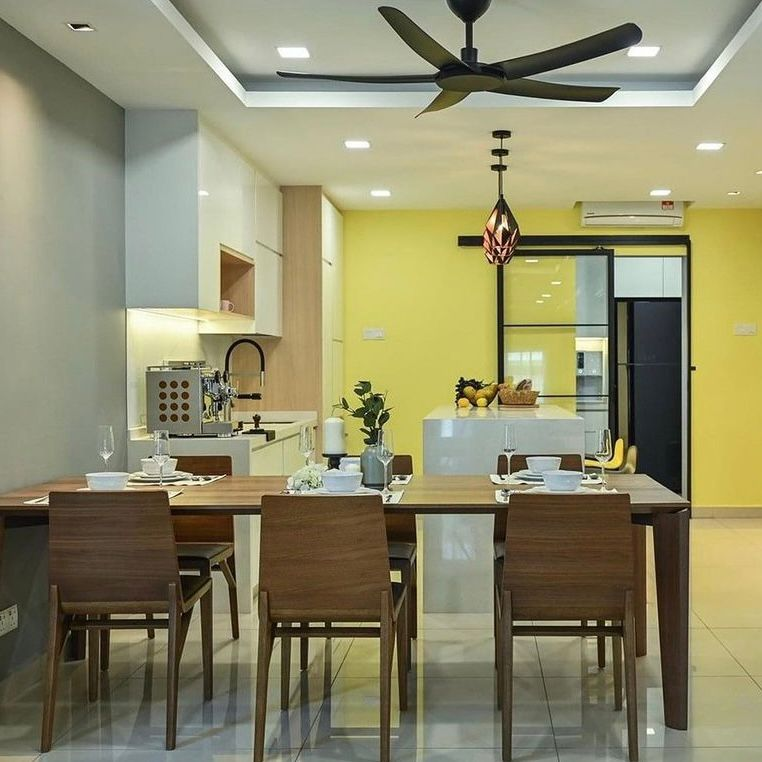 dapur dan ruang makan Nuansa cerah dan hangat