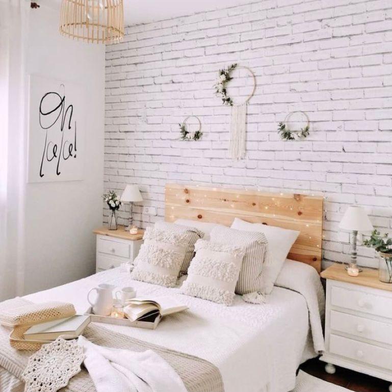 Tema rustic dengan dinding bermotif bata