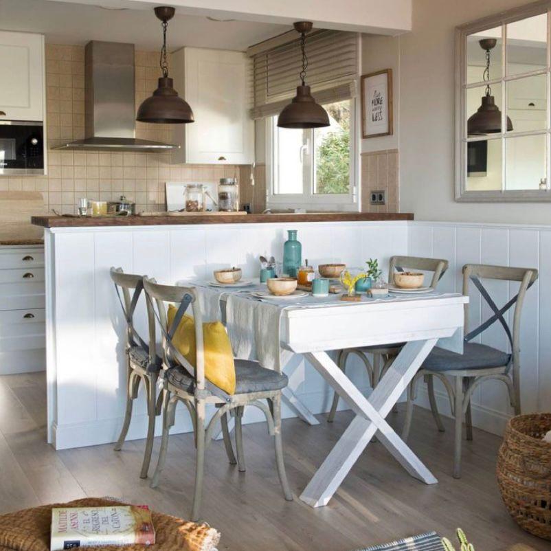 Ruang makan minimalis dengan kesan homey