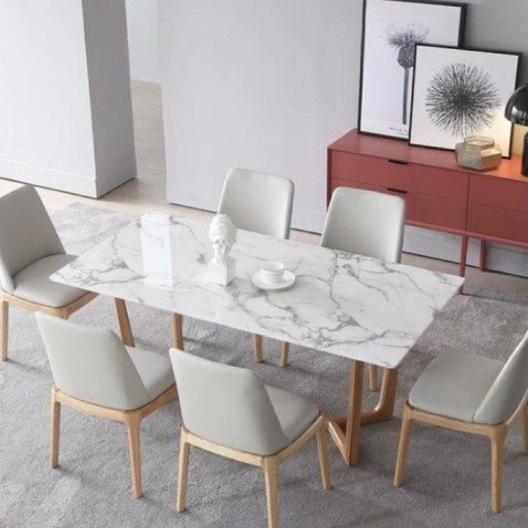 Meja marble akan membuat kesan menawan