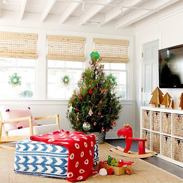 Dekorasi natal sederhana dan playful