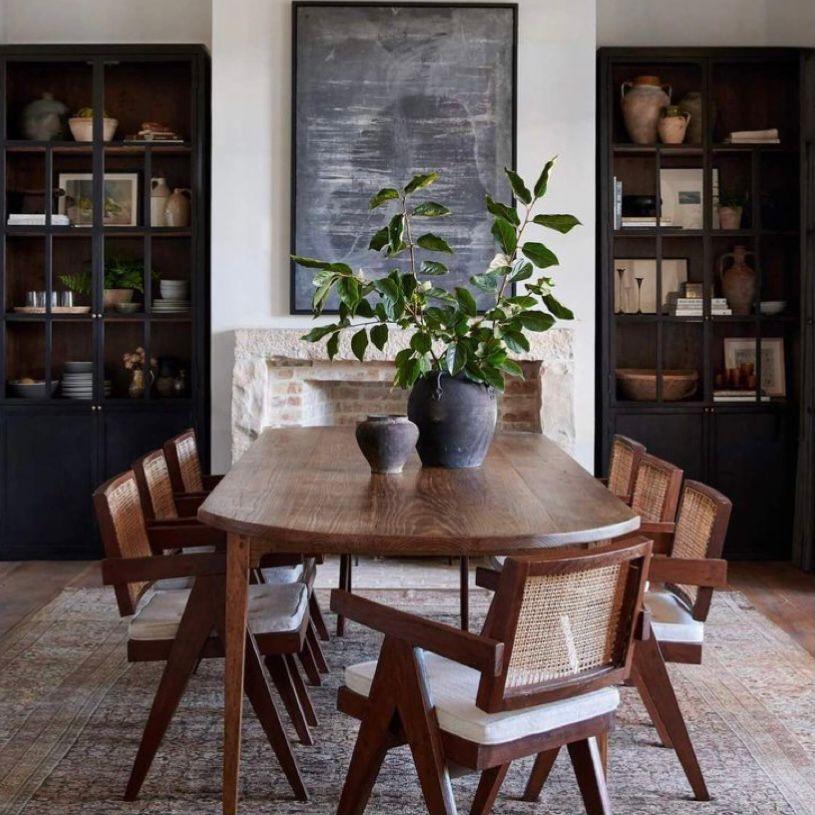 Menggunakan furnitur klasik dan elegan