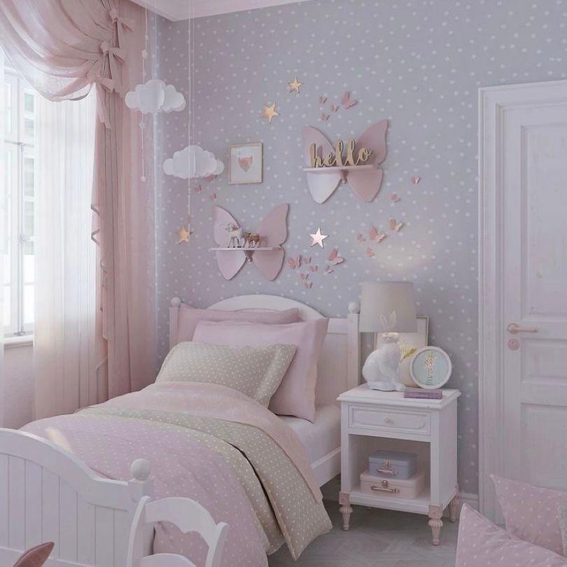Desain kamar dengan aksen kupu-kupu