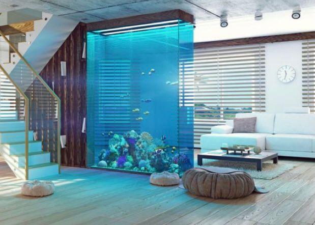 aquarium di ruang tamu sebagai sekat ruangan