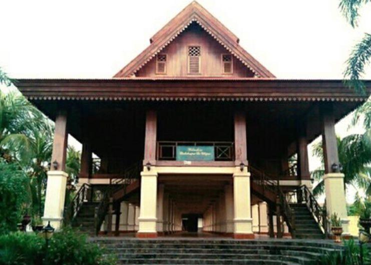 Rumah adat Provinsi Gorontalo - Rumah Dulohupa