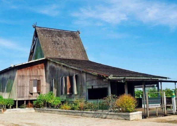 Kalimantan Selatan - Rumah Bubungan Tinggi