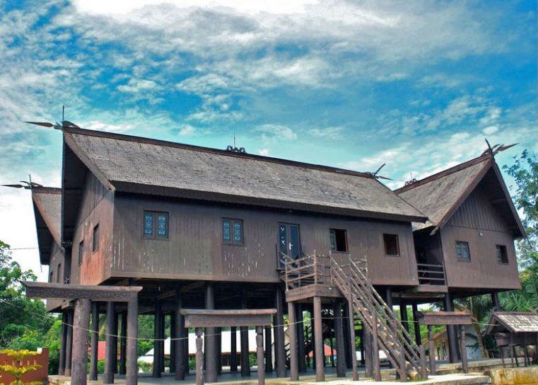 Kalimantan Tengah - Rumah Betang