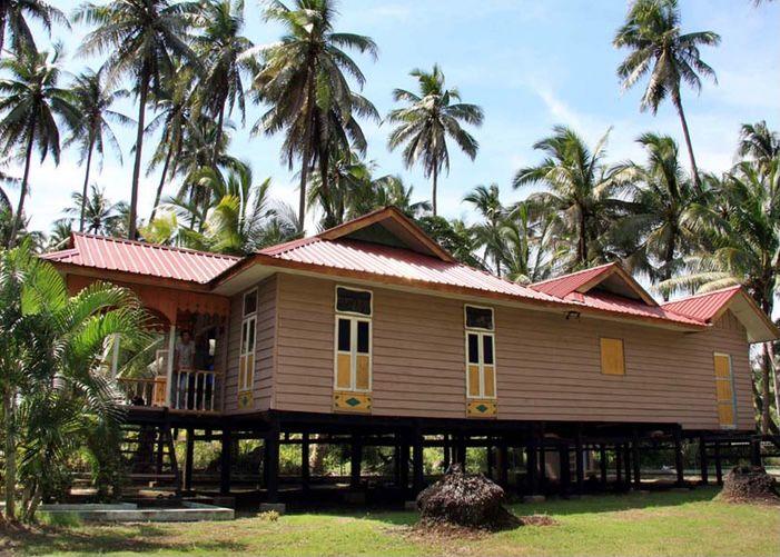 Kepulauan Riau - Rumah Atap Limas Potong