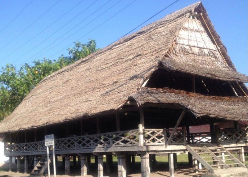 Rumah adat Provinsi Maluku - Rumah Baileo